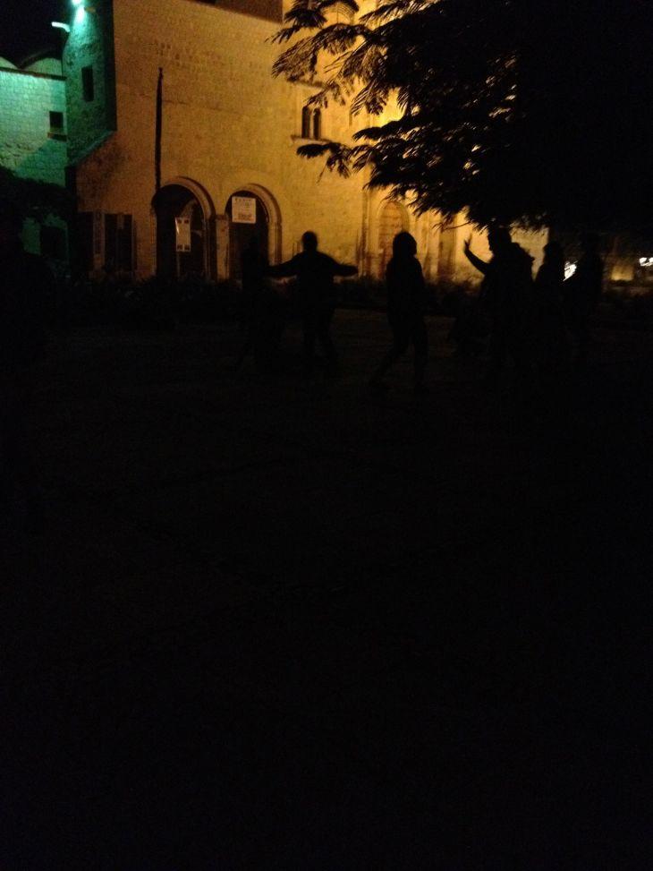 Bailando en la Oscuridad (Dancing in the Dark)